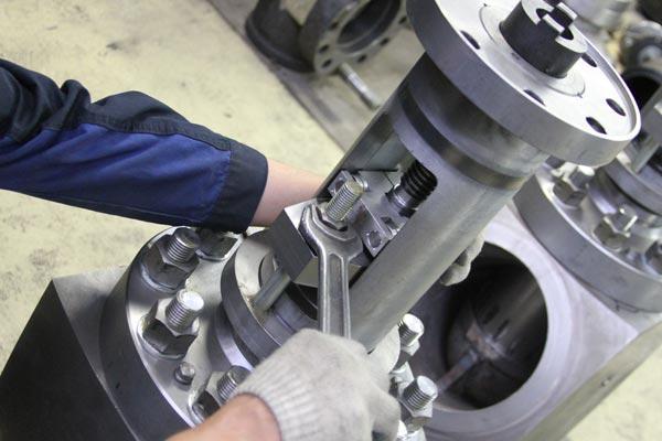 Механическая обработка металлов и других материалов, металлопокрытия и окраска, слесарные и слесарно-сборочные работы